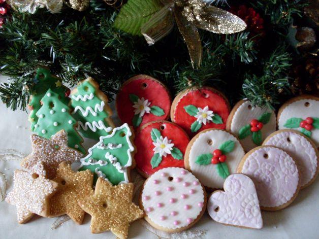 Biscotti-per-addobbare-l'albero-di-Natale