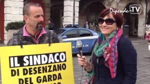 Alessandro Gandolfi protesta per le licenze di taxi boat a Desenzano