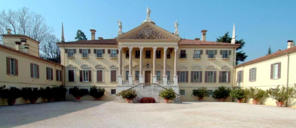 esterno villa Mazzucchelli