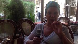 Dipende TV intervista Lidia Pagiaro titolare del Caffè Grande Italia di Sirmione, riconosciuto locale storico italiano