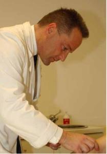 Il Dott. Antonio Galoforo visita a Castiglione delle Stiviere MN presso il Poliambulatorio Medical Service Smao Servizio di Ossigeno - Ozono Terapia Tel.0376.671992