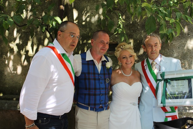 Matrimonio Simbolico Chi Lo Celebra : Torri del benaco agostino danese celebra il millesimo
