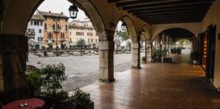Desenzano del Garda: Tutela delle vedute e dei palazzi storici. Sembra bello. Tutti d'accordo?
