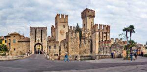 Ingresso-della-Rocca-Scaligera-610x300
