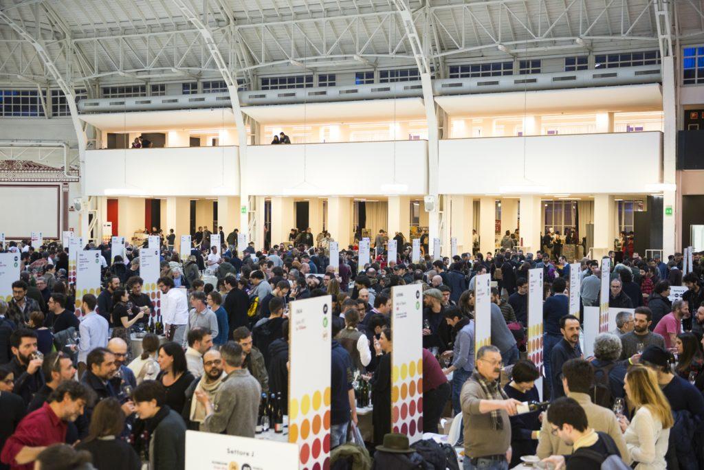LIVE WINE Salone Internazionale del Vino Artigianale, 22-23-24-25 marzo 2018. Palazzo del Ghiaccio, Milano.